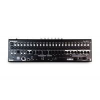 Allen & Heath QU-24C     Mixer Digital