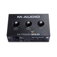 M-AUDIO MTRACKSOLOII | Interfaz de Audio USB 2 Canales con 1 Preamplificador de Cristal